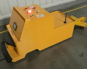 牵引式AGV叉车